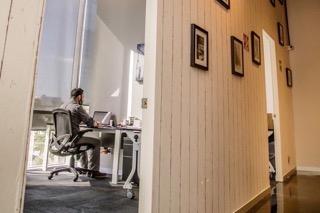 Oficinas Virtuales y Coworking IBS Santa Fe - Oficina Fisica Amueblada en Renta con Pasillo